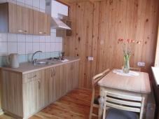 Šešių vietų šeimyninis numeris su virtuve ir balkonu
